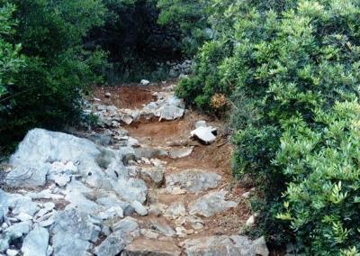 Climbing to Fortress Sutvrač
