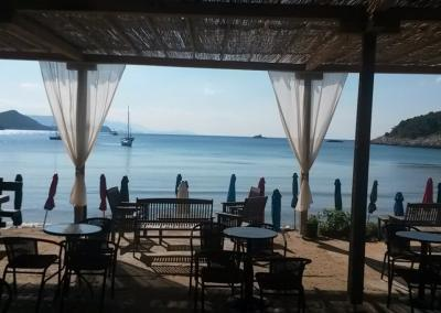 Relax in beachside restaurant on Šunj beach